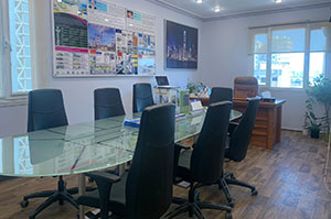 10-Office-Pic
